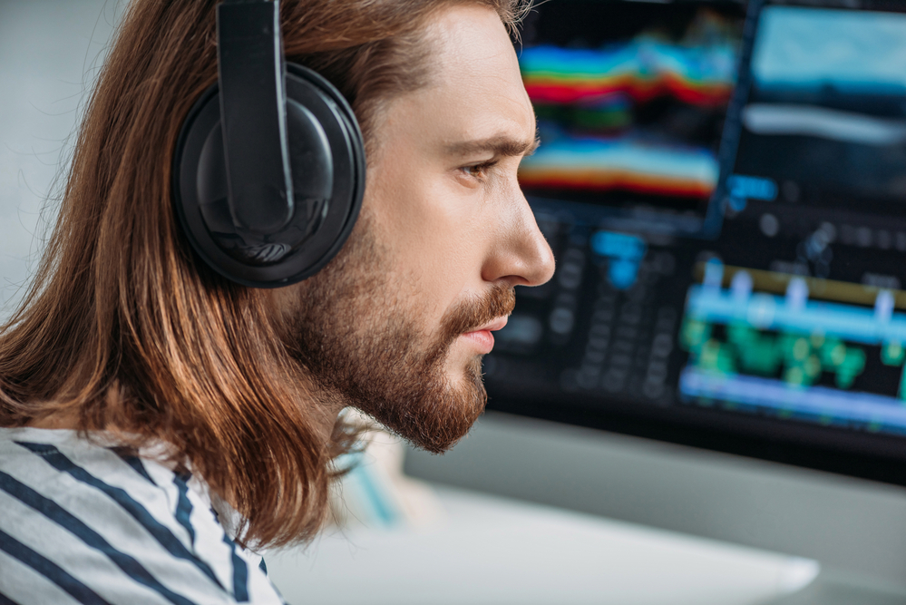 What are monitor headphones